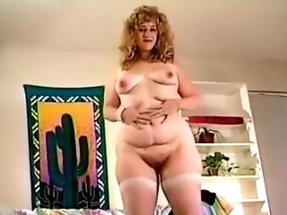 Bbw Shay Thomas Strips And Spreads Her Phat Bum!