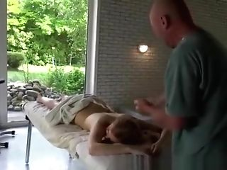 Old Man Antique Group Sex And Lisa Ann Old Man The Towel Comes Off And She