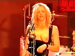 Crevice's Courtney Love In Sans Bra On Stage At The Big Day Out 1999