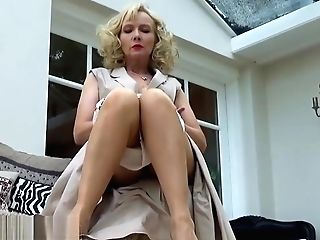 Matures Nylon Stocking Fixation Taunt